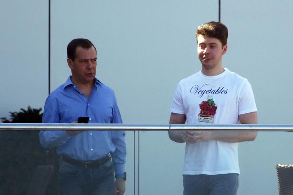 Сын политика Илья ведет закрытый образ жизни