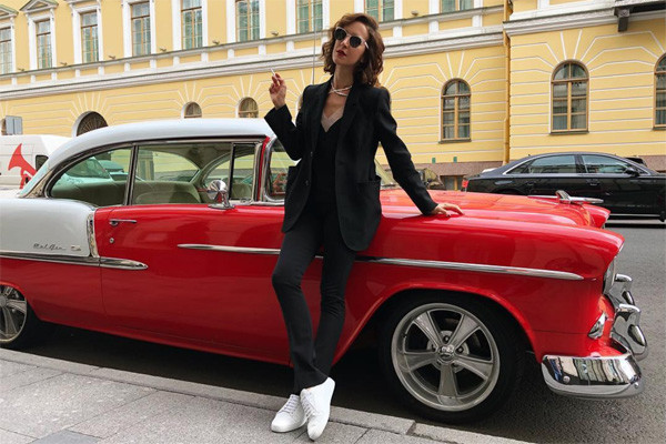 В день рождения Сергея жена подарила ему автомобиль Chevrolet Bel Air 1955 года за 6 миллионов рублей
