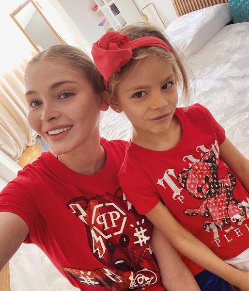Алена Шишкова с дочерью