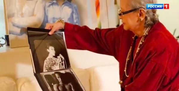 Артистка хранит совместные снимки с бывшим возлюбленным