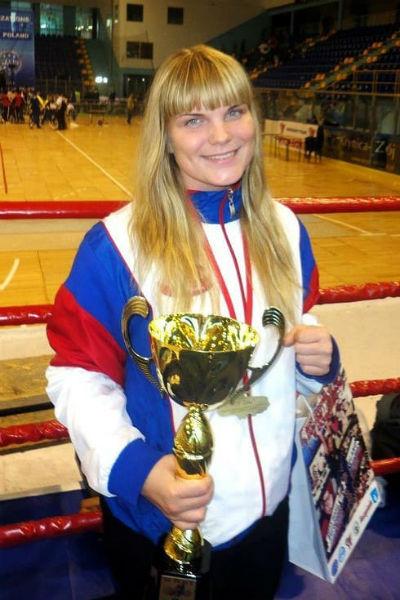 Диана на протяжении нескольких лет считалась одной из сильнейших спортсменок России в кикбоксинге