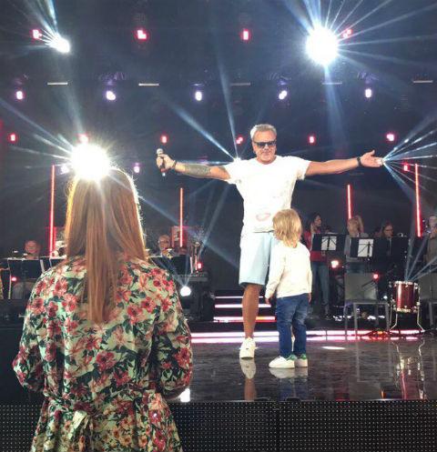 Наталья Подольская поддерживает любимых мужчин из зрительного зала