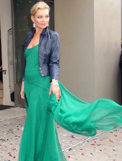 В день своего 40-летия топ-модель Кейт Мосс посетила открытие магазина Topshop в Нью-Йорке