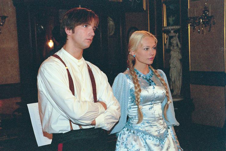 Широкая популярность пришла к Кориковой после главной роли в сериале «Бедная Настя»