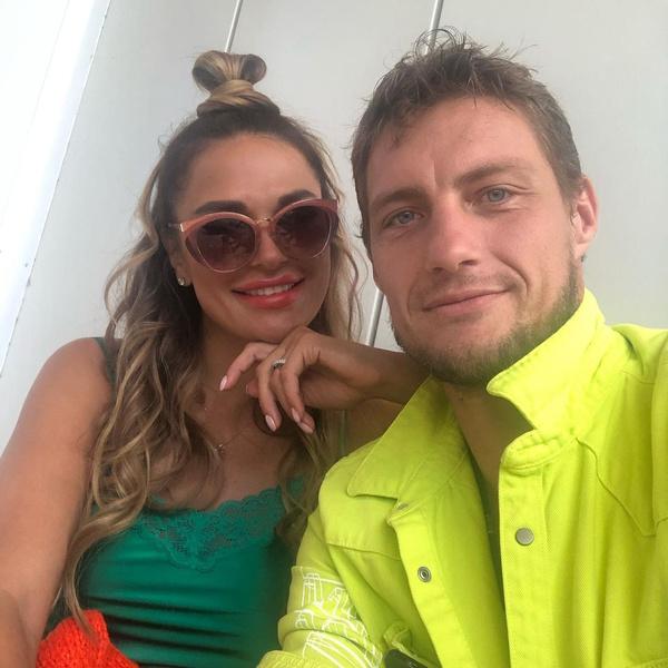 Александр Задойнов с женой