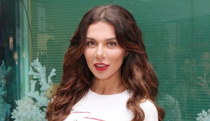 Анна Седокова вышла в свет вместе с новым бойфрендом