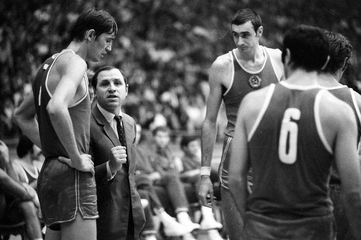 Владимир Кондрашин считается одним из самых известных баскетбольных тренеров в истории СССР