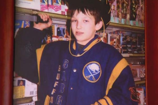 С детства Александр увлекался хоккеем