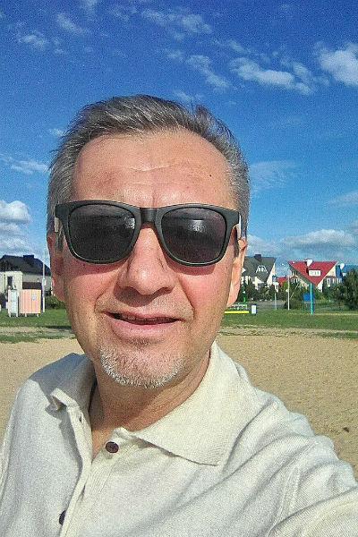 В августе Аркадию Станиславовичу могло исполниться 60 лет