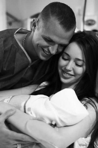 Супруги очень ждали рождения дочери
