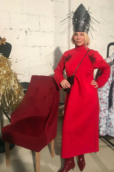 Надя Сказка любит необычные наряды