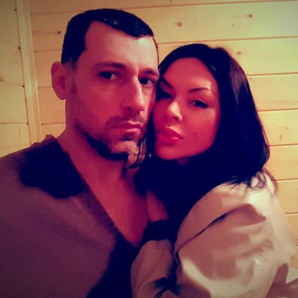 Вячеслав давно не выставляет совместные фото с Тори