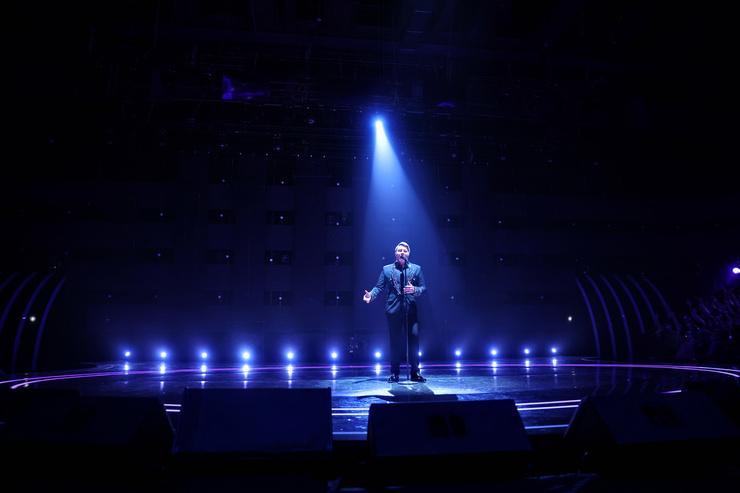 Николай Басков выступил с трогательной песней