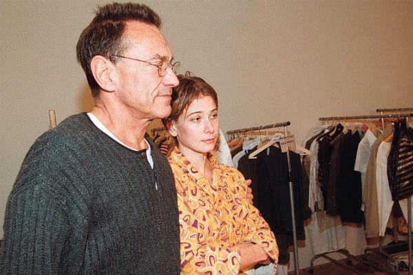 Артистка появляется преимущественно в картинах мужа. На фото – пара на съемках фильма «Дом дураков», 2001 год