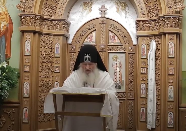 Отец Сергий читал проповеди в церкви