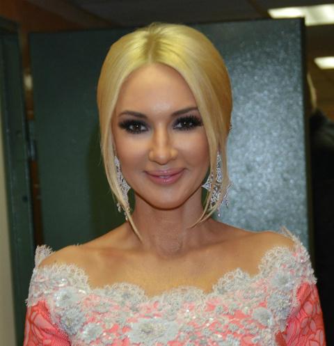 «Складки на боках, как мило»: фанаты оценили честное фото Кудрявцевой