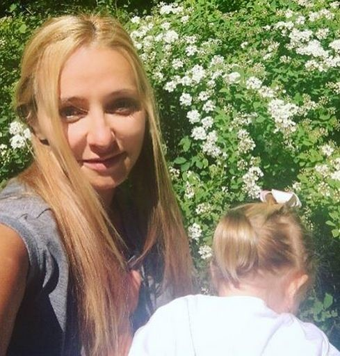 Татьяна Навка с младшей дочерью Надей