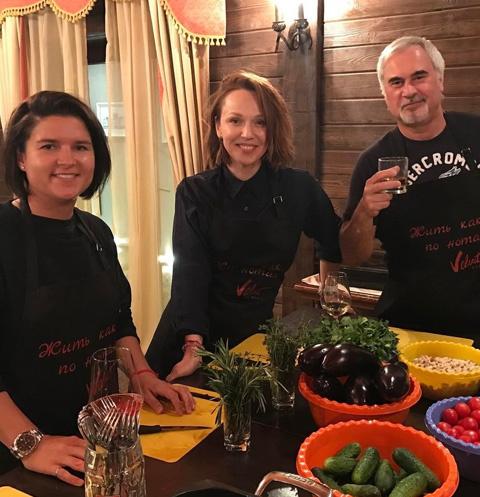 Альбина Джанабаева и Валерий Меладзе приняли участие в кулинарном мастер-классе