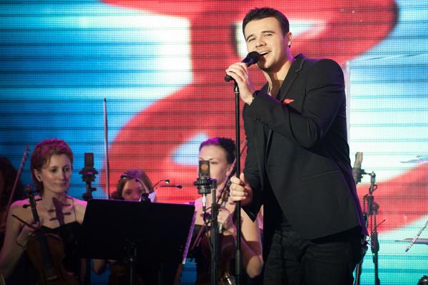 Интервью: Эмин: «Лепс сказал мне – если тебе нужна Россия, надо петь на русском»  – фото №2