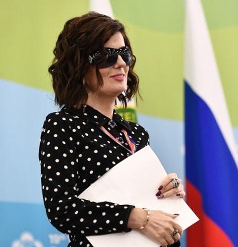 Познав на себе тяготы болезни, Диана Гурцкая старается облегчить жизнь другим