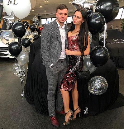 Антон Гусев с женой Викторией Романец