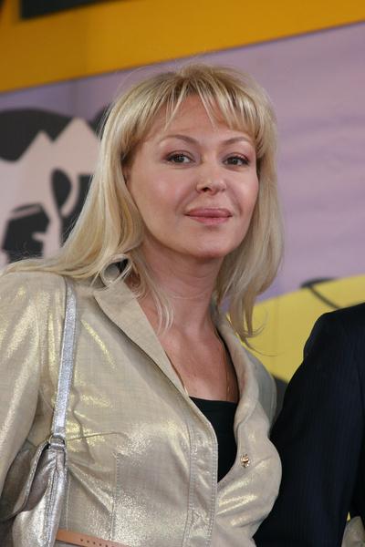 Алена Бондарчук поддерживала маму после смерти отца
