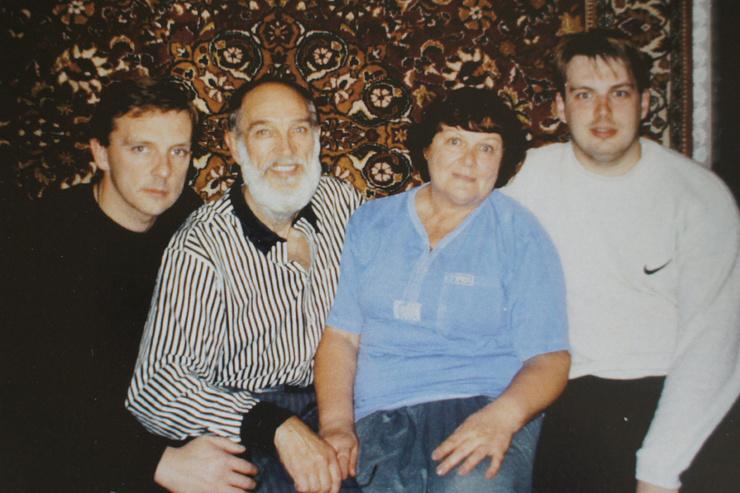 Геннадий Петрович с женой и сыновьями