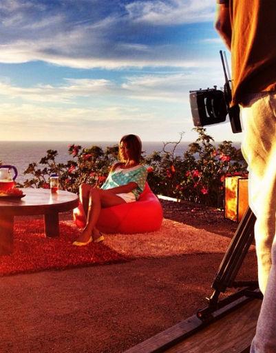 А вот Виктория Боня совмещает приятное с полезным, сейчас девушка работает, а заодно и отдыхает в Мексике