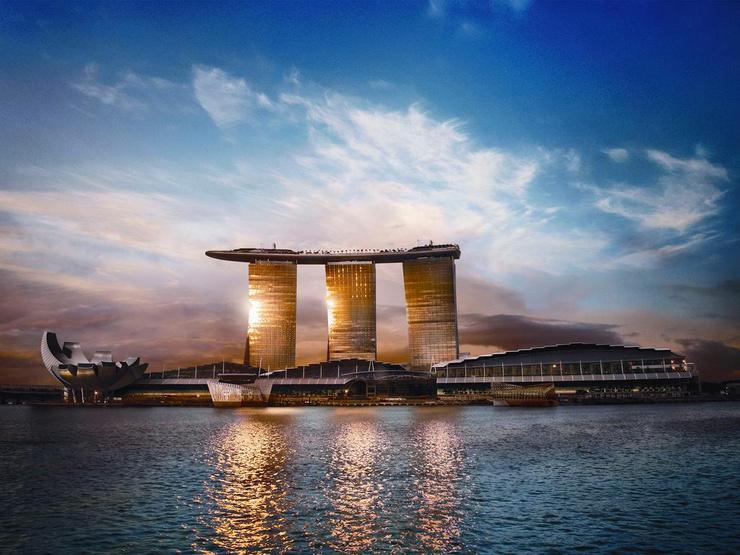 Вика с мужем отдыхают в одном из самых фешенебельных отелей Сингапура