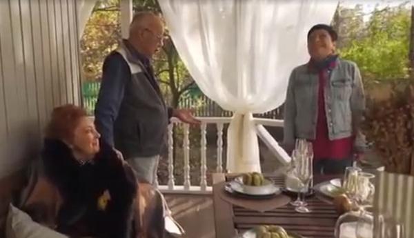 Стахан Рахимов и Алла Иошпе остались довольны работой Натальи Барбье