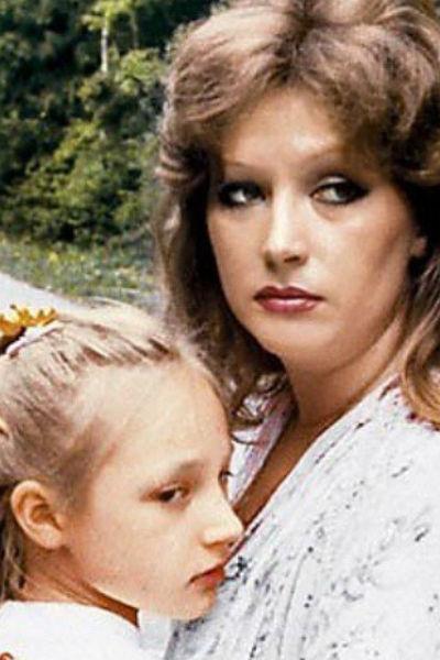 Кристина в детстве с мамой Аллой Пугачевой