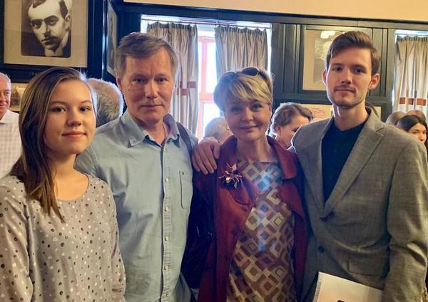Юлия Меньшова – Агате Муцениеце: «Вы держитесь за то, что снова сойдетесь с Пашей»