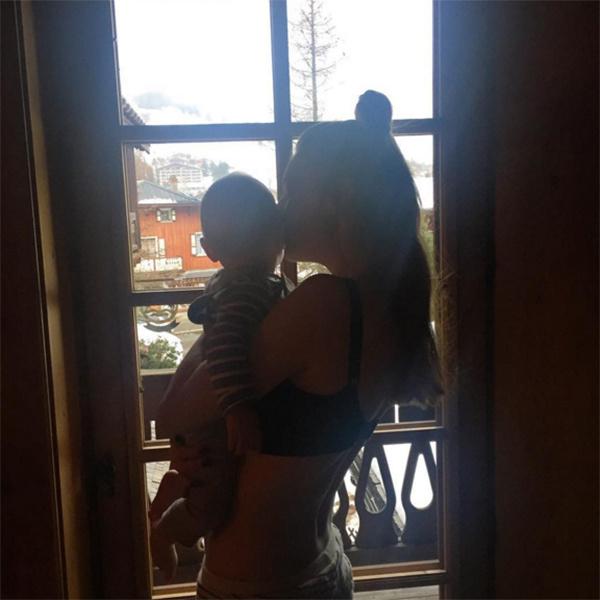 Наталья Подольская с Артемием в своем отеле в Альпах