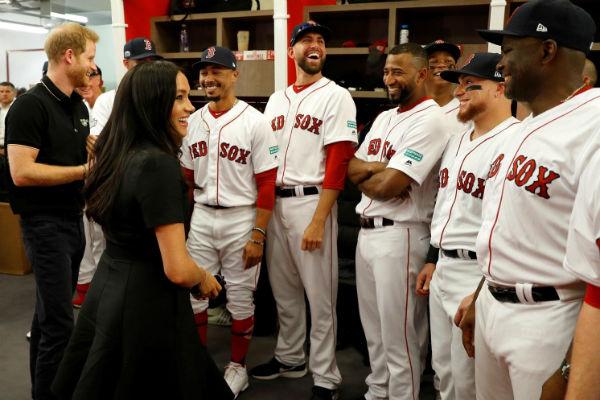 Меган Маркл и принц Гарри посетили бейсбольный матч