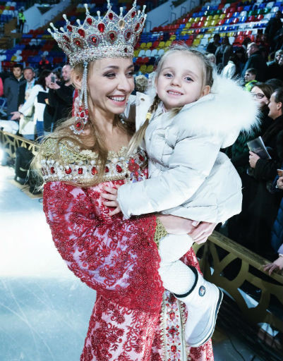 Татьяна Навка с дочкой