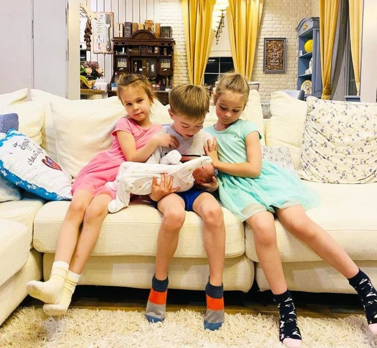 Владимир Пресняков: «У Темы столько страсти к младшему братику, что мы с Наташей просим его быть осторожнее!»