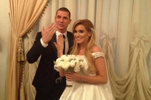 Первое фото в качестве мужа и жены