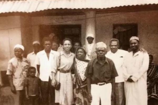 Елена Ханга с родственниками по линии отца