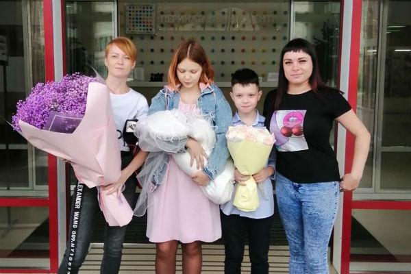 11-летнему бойфренду Даши Суднишниковой не доверили ее новорожденную дочь