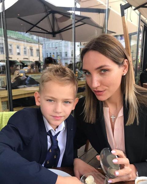 Дарья с сыном от Алексея Янина