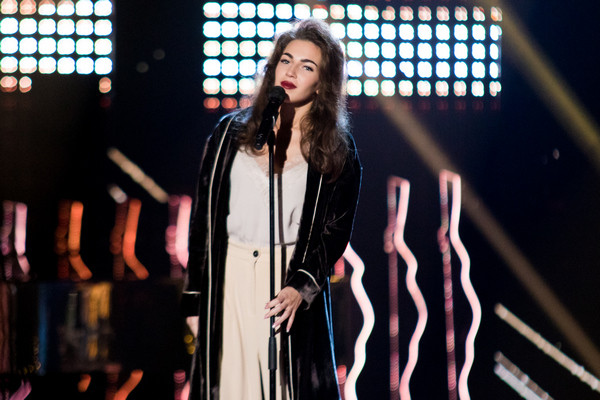 На кастинге Евгения исполнила песню Роберта Палмера «Addicted to Love»