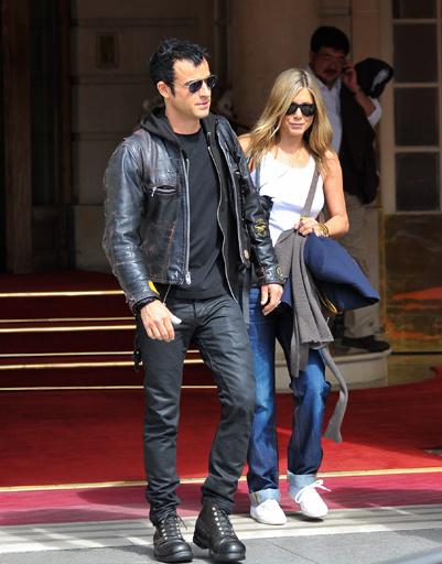 В Париже Джен и Джастин провели несколько дней. Говорили, что уже там Энистон получила главное предложение