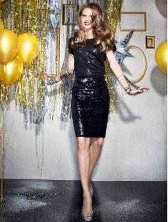 Модель в платье Sela