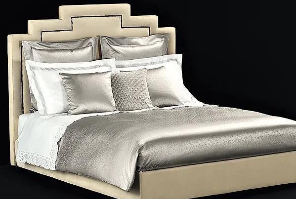 Комплект шелкового постельного белья за 615 тысяч рублей