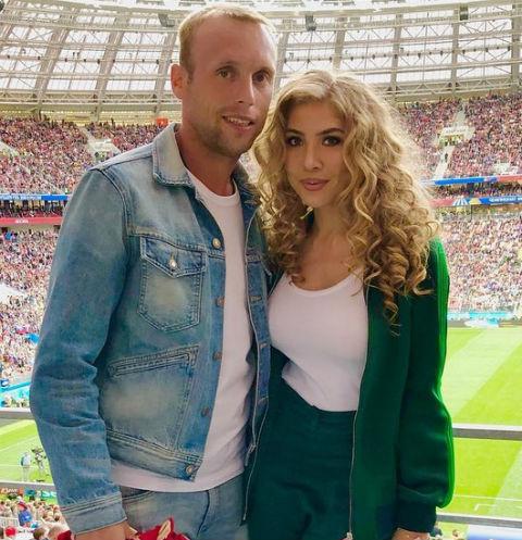 Денис Глушаков с женой Дарьей