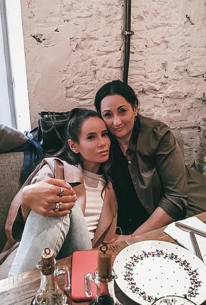 Айза и ее мама пережили чеченскую войну