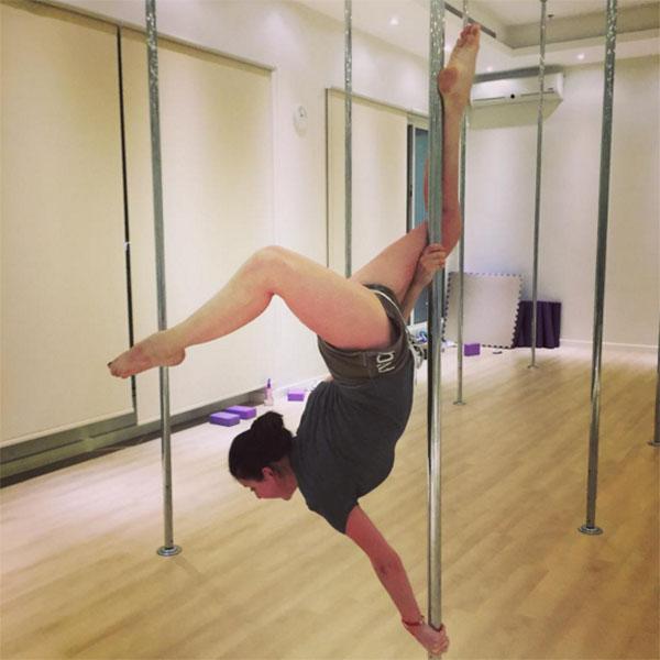 Не все подписчики Ирины Слуцкой оценили ее талант, многим не одобрили увлечение танцами на пилоне