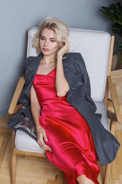По словам Кристины, она ничуть не похожу на Алену Шишкову