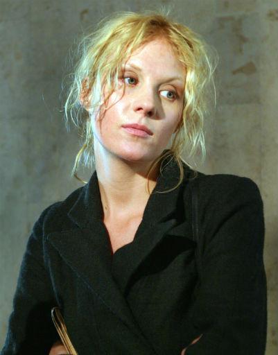 Актриса не боится показаться без макияжа, 2004 год
