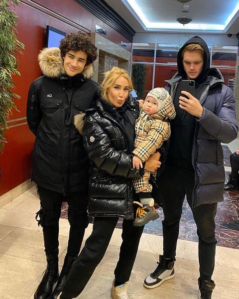 Сергей влюбился в сына Виктории от первого брака и стал его настоящим другом.